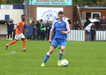 Jack Rudoni on loan from AFC Wimbledon, in action against Braintree Town 12.10.19.